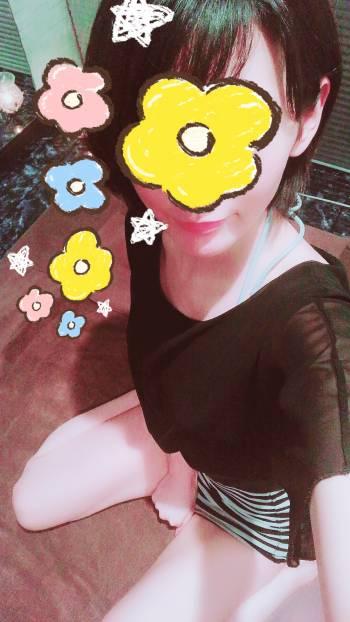 はじめまして♡(2018/04/09 18:30)芹沢 里穂のブログ画像