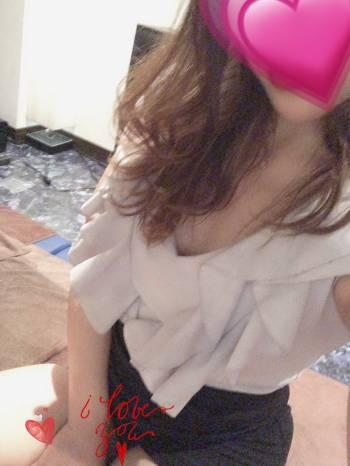 18時からです🥰(2021/04/09 18:04)長谷川 あみのブログ画像