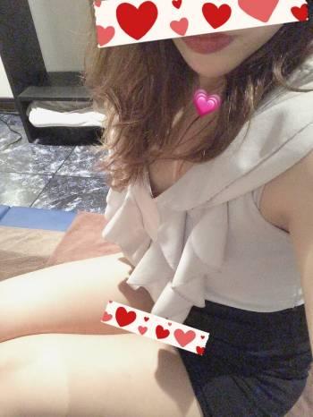 本日出勤です🥺(2021/04/17 18:16)長谷川 あみのブログ画像