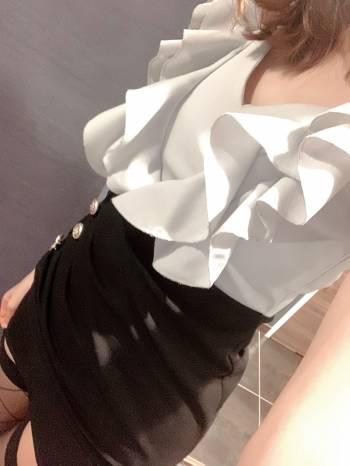 制服が変わってる!(2021/02/27 11:53)玉川 やよいのブログ画像